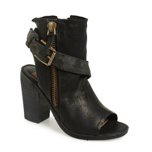 Dolce Vita North Zippered Leather Booties in Black
